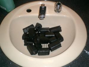 「炭」ブームはまだ続くのだろうか。そういう自分も炭石鹸とか、買ったけど(笑)